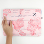 Clutch mapa mundi rosa abertura