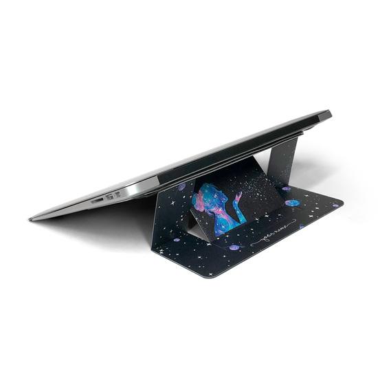 Laptop Stand Suit - Poeira das Estrelas